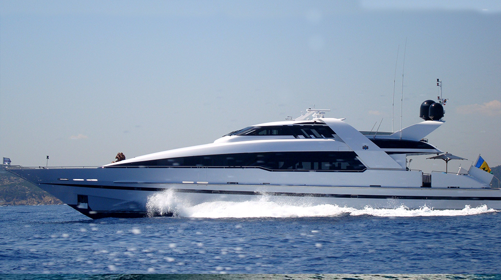 120 foot yacht 007y 1 view of luxury