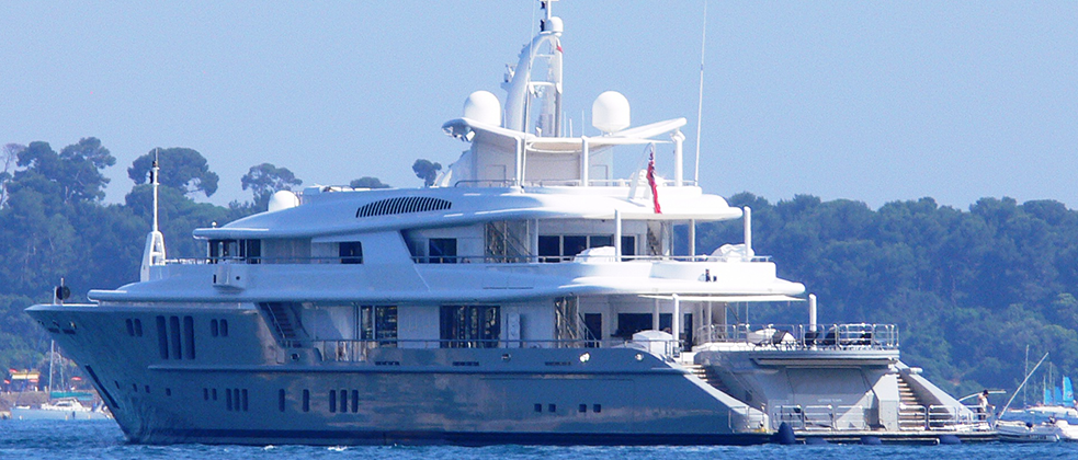 240-Foot-Yacht-Yacht-Charter-Miami1