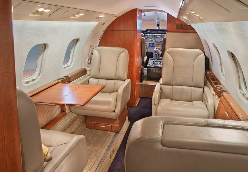 Private Jets For Rent >> 007-Jet Falcon 20 | View Of Luxury